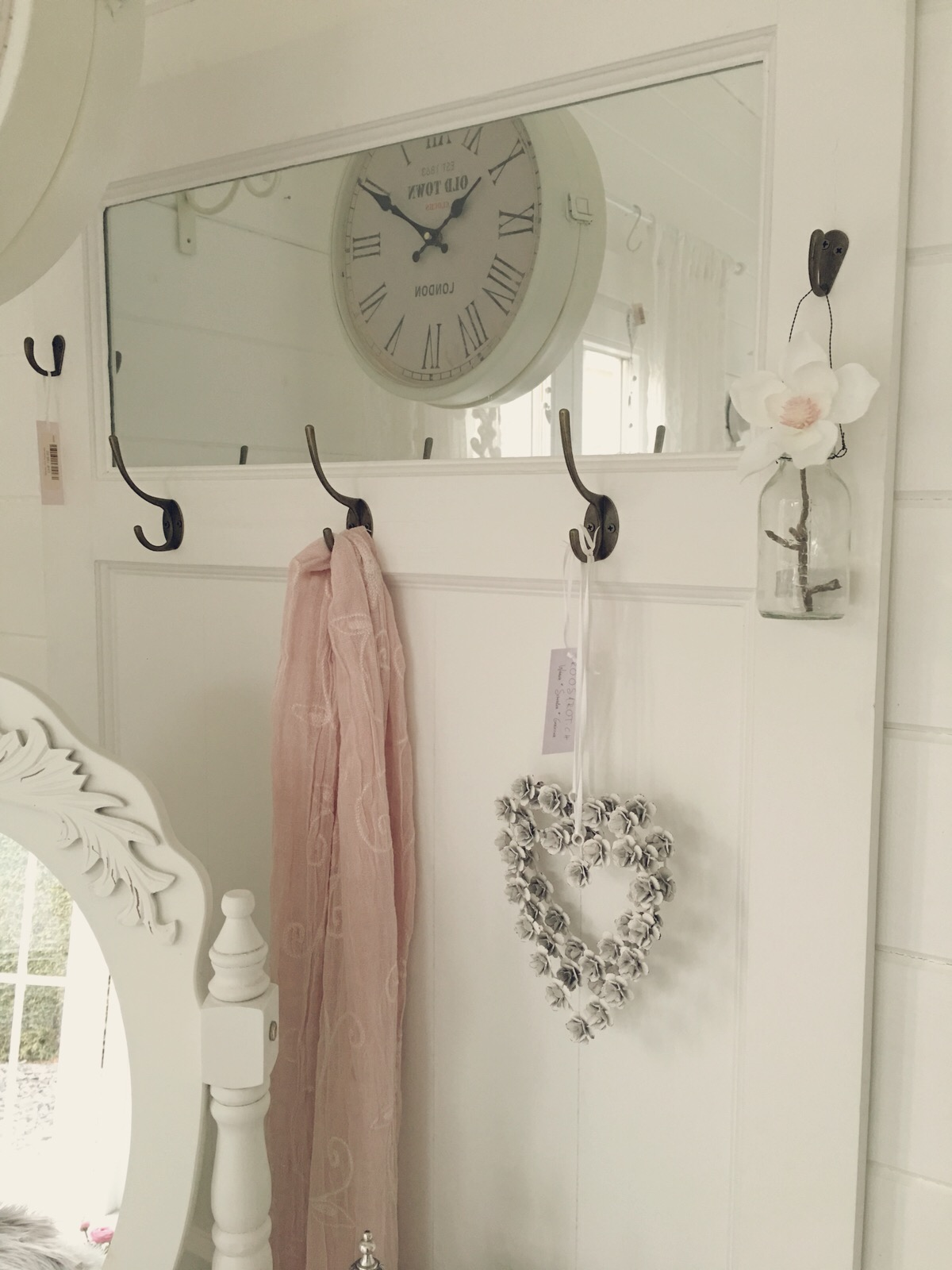 Shabby Chic Garderobe (3484) | Neu / Aktuell | Atelier Roosarot